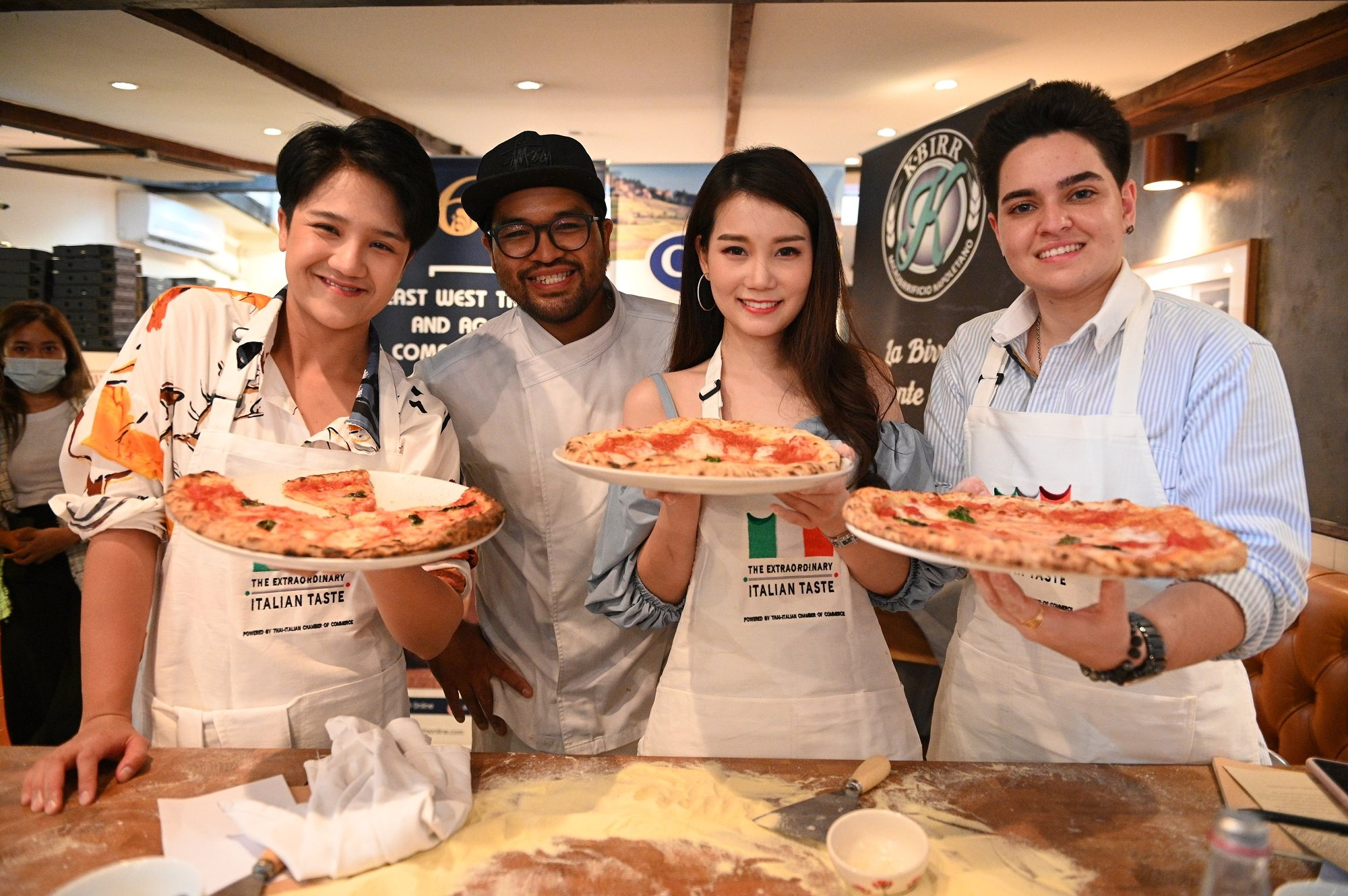 Authentic Italian Table: All you need is cooking PIZZA